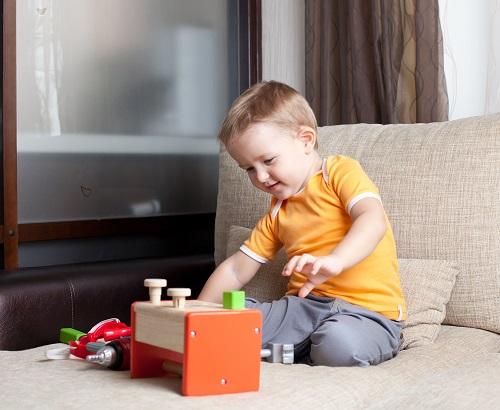 Ein Kind beim spielen