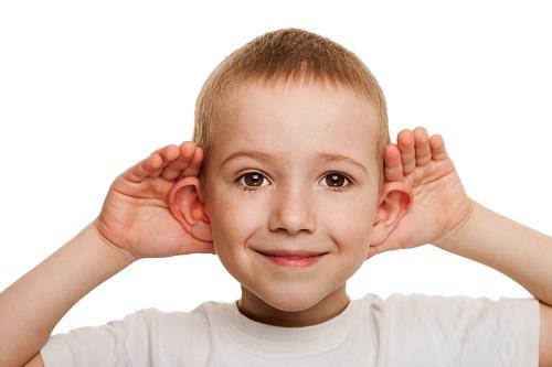 HNO-Ärzte führen im frühkindlichen Alter wichtige Hörtests durch, damit keine längerfristigen Schäden enstehen können