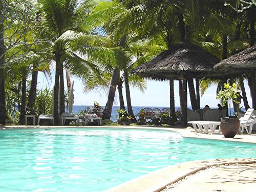 Im eigenen Pool unter tropischer Sonne