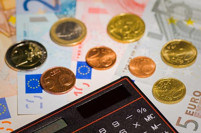 Kredit beantragen ohne Sicherheit - Kreditgeber meist Banken aus dem Ausland - Vorsicht Betrüger bei Kreditvergabe
