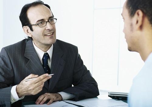 Individuelles Beratungsgespräch zwischen privatem Kreditgeber & Kreditnehmer