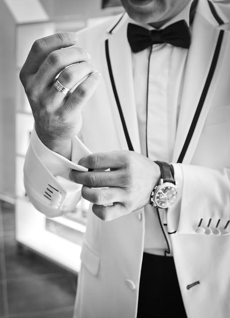 Ein echter Gentleman trägt zu feierlichen Anlässen einen exklusiven Duft - wie wäre es mit Gisada Uomo von Swiss Fragrance?