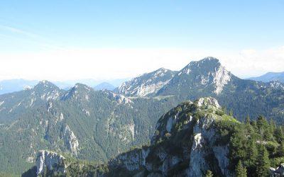Innsbruck – idyllische Stadt mit einzigartigem Rundum-Panorama